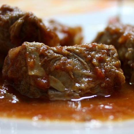 Pezzetti &40;chopped horsemeat in a spicy tomato sauce)